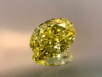 1.01ct Fancy Vivid Yellow Oval VDY007@1x